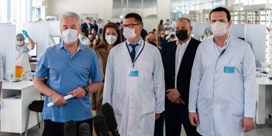 Москва вдвое увеличит возможности вакцинации трудовых мигрантов