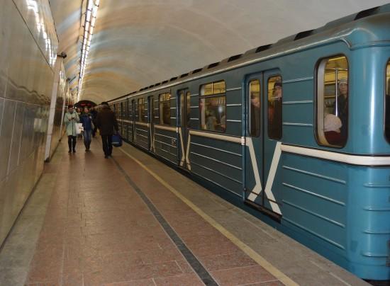 """Станции метро """"Теплый стан"""" и """"Новоясеневская"""" открыли после подтопления на станции """"Ясенево"""""""