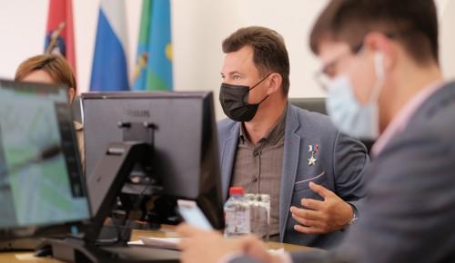 Романенко поднял проблему стоянок грузового транспорта на юго-западе Москвы