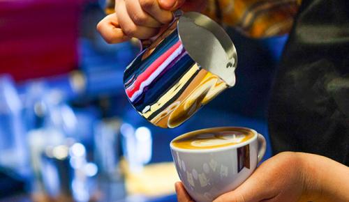 Ефимов опроверг информацию о падении выручки ресторанов на 80% из-за QR-кодов