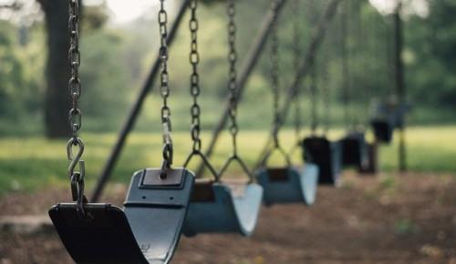Детские площадки Котловки ждет реконструкция