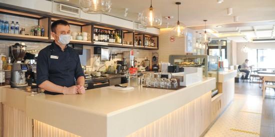 Ефимов опроверг информацию о падении выручки ресторанов на 80% из-за введения QR-кодов
