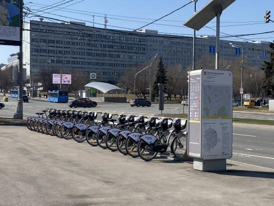 Взять на прокат велосипед можно на 11 станциях в Черемушках