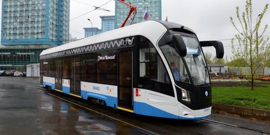 Маломобильным жителям Гагаринского района помогут в трамваях маршрута №14 и №26