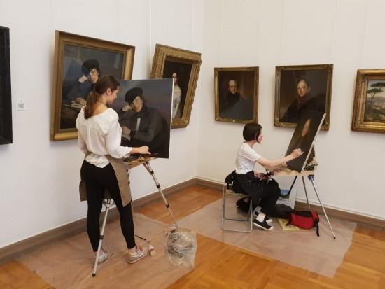 Студенты Академии акварели Андрияки проходят копийные практики в российских музеях