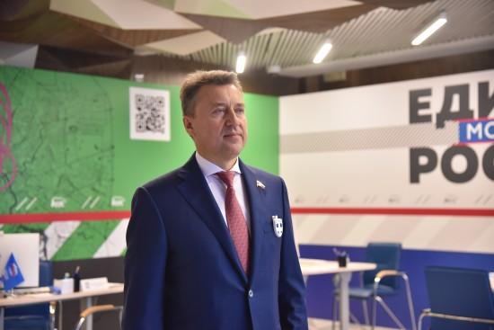 Анатолий Выборный рассказал избирателям об итогах работы в Госдуме
