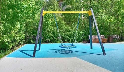В парках Академического района  снова открылись детские и спортивные площадки