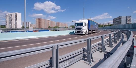 Александр Семенников: Тенденция к сокращению количества большегрузов в черте города должна поддерживаться