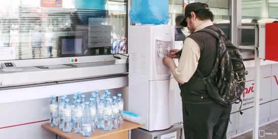До пятницы пассажиры на московских вокзалах получат бесплатную воду
