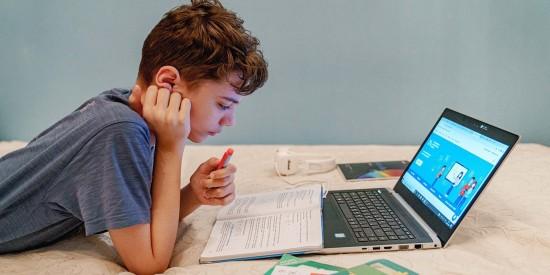 Библиотека МЭШ подготовила уроки и приложения для школьных каникул