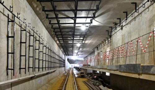 На станции «Зюзино» при отделке используют кварцевый агломерат