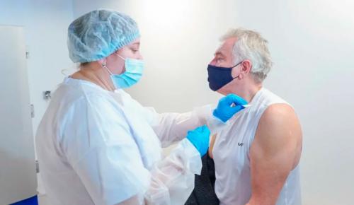 В центре вакцинации в «Лужниках» прививку могут сделать граждане России и иностранцы