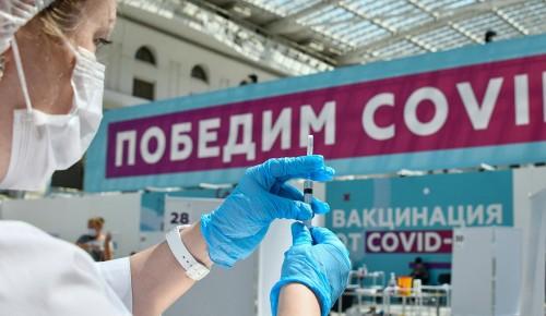 Несколько десятков тысяч человек привились от COVID-19 в центре вакцинации в «Лужниках»