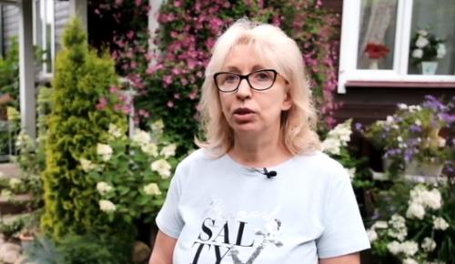 """Участница проекта """"Московское долголетие"""" объяснила, почему увлечена занятиями по рисованию"""