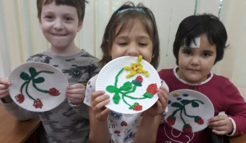 В творческой студии «Дарование» прошел мастер-класс в честь Дня малинового варенья