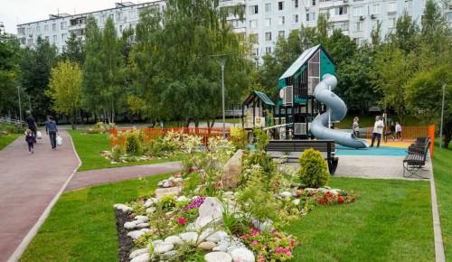 В Обручевском районе создают удобные пешеходные маршруты