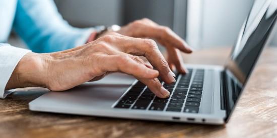Пенсионеры из Обручевского района могут принять участие в онлайн-встрече клуба любителей мемуаристики «Линия жизни»