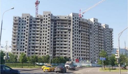 На Севастопольском проспекте строится трехсекционный дом по программе реновации