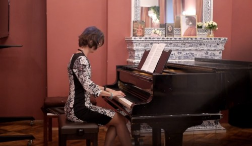 В библиотеке №183 опубликовали запись музыкального вечера «Не только книги»