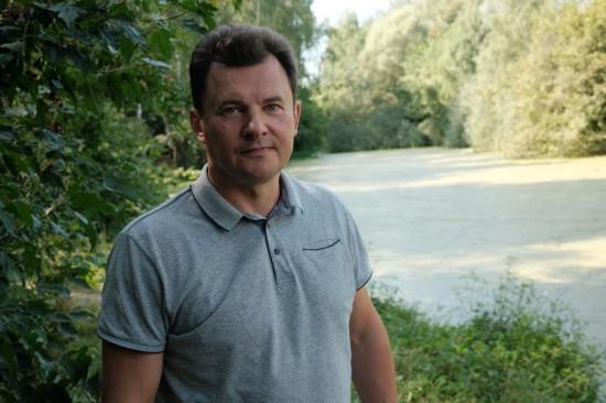 Роман Романенко помогает жителям Бутова привести в порядок заброшенный пруд