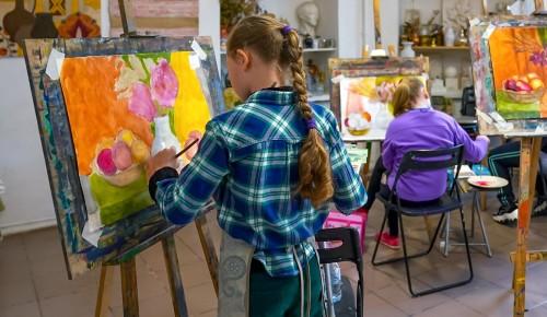 Столичные парки, библиотеки, музеи и культурные площадки подготовили познавательные мероприятия для школьников ко Дню знаний