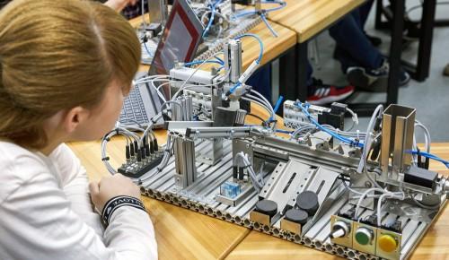 Сергунина: С сентября по декабрь столичные детские технопарки проведут цикл мастер-классов для всей семьи
