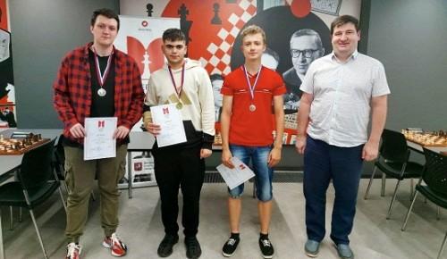 Юный шахматист с Воробьёвых гор победил в полуфинале чемпионата Москвы по молниеносным шахматам