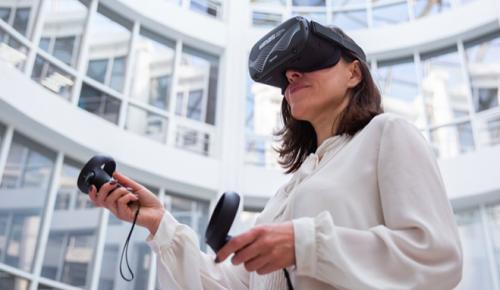 Москвичам рассказали о том, как VR-технологии помогают госслужащим