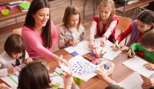 Школа №554 знакомит с воспитателями и их помощниками, работающими в дошкольном отделении