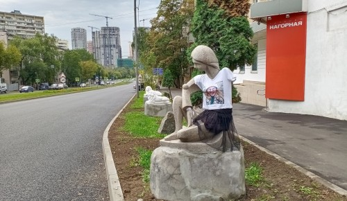 Котловчане переодели скульптуру Галю к осени