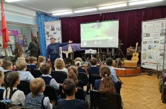 Школа №2114 Северного Бутова провела мероприятия, посвященные 80-летию начала фашисткой блокады Ленинграда