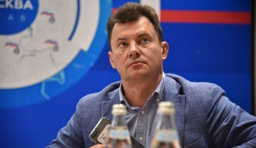 Роман Романенко предложил включить «декрет для бабушек» в нацпроект «Демография»