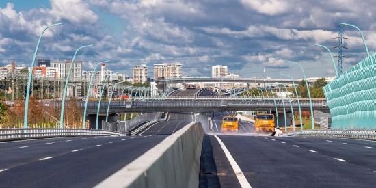 Собянин: Новая дорога позволит жителям Московского экономить до часа в день