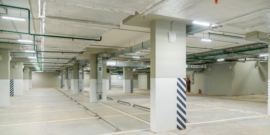 Жители Ломоносовского района могут арендовать машино-места в домовых паркингах