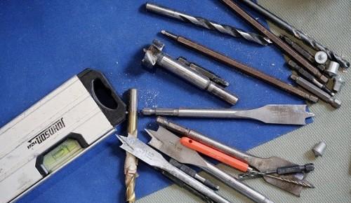 В Академическом районе украли строительные инструменты