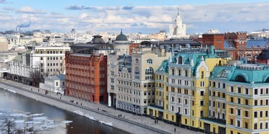 В булочной Филиппова на Тверской обнаружены призматические окна XIX века