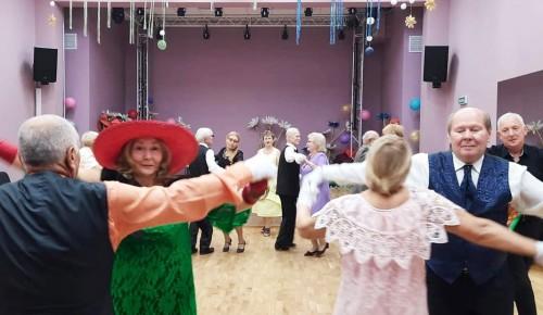 """Центр """"Эврика-Бутово"""" приглашает жителей района в танцевальный ансамбль """"Мои года - моё богатство"""""""