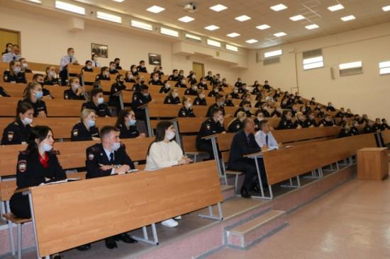 В Московском университете МВД имени Кикотя подвели итоги учебной деятельности вуза за прошедший год