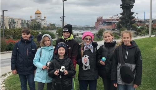 """Ученики школы №17 посетили парк """"Музеон"""" в рамках участия в олимпиаде """"Музеи. Парки. Усадьбы"""""""