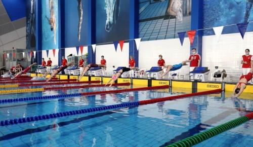Юные пловцы с Воробьёвых гор завоевали три призовых места на юниорском первенстве Москвы
