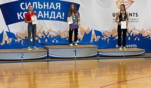 Ученица школы №2103 завоевала бронзу на первенстве Москвы по плаванию