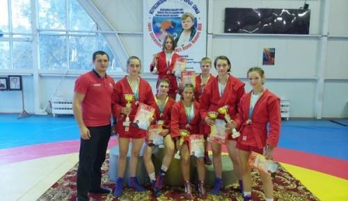 Ученицы школы №2103 завоевали награды на Всероссийских соревнованиях по самбо