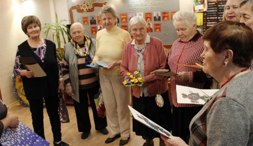 Воспитанники центра «Юнона» подготовили подарки для ветеранов пансионата № 31