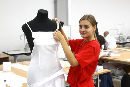 Стиль 80-х снова в моде. Студентка РГУ им. Косыгина представит свою коллекцию на Всероссийском конкурсе