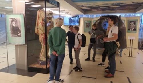 Юные инженеры школы №2086 посетили центр управления полетами МГТУ им. Н.Э. Баумана