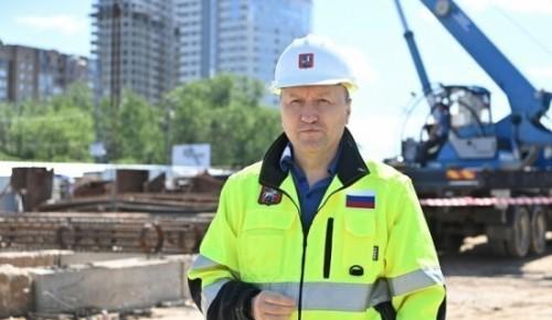 Андрей Бочкарев: Строительство причала и спусков к воде ведется на набережной Марка Шагала на юге Москвы